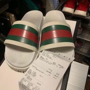36cb0449b Gucci White Pursuit Slides Size 6 100% Authentic